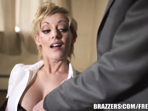 Slutty hot blonde gets arrested and seduces the officer