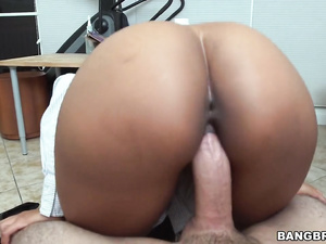 Dirty boss makes his Arab secretary to show her arse and then fucks her
