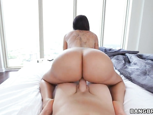 Sexy hot brunette milf with big boobs and hot jelly butt in POV sex video