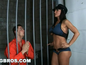 Burning hot jail guardian Lisa Ann passionately fucks big dicked prisoner