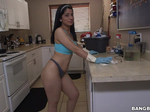 Jelly butt brunette maid does tight blowjob to her boss and enjoys hardcore
